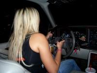 Automobilový deník blondýnky
