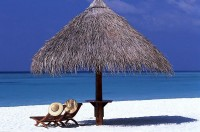 Bílé pláže, modré moře a hřejivé sluníčko