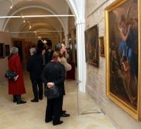 Vlastimil Harapes při prohlídce výstavy