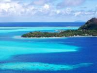 Modrozelený ostrov Bora Bora