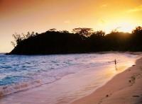 Západ slunce na Barbarons Beach, Mahe, Seychely