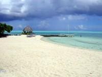 Pláž na ostrově Bora Bora