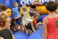 Olympus připravil dětem docela pěknou zábavu.. :)