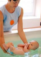 Teta Jana mě učila plavat ve vaně