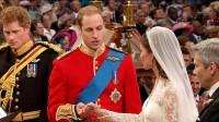 William a Kate skládají manželský slib