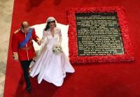 William a Kate opouštějí Westminsterské opatství