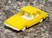 Žlutý plastový Renault R12, výrobce Směr
