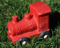 Červená plastová mašinka