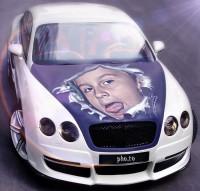 Že by to bylo kvůli mému autíčku Bentley?