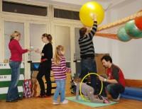 Hrají si děti i dospělí