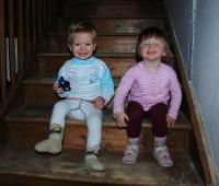 S Kačkou lumpačíme na schodech