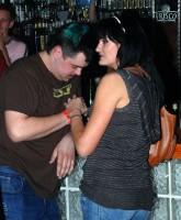 Pavel Novotný se na baru věnoval své přítelkyni Líbě
