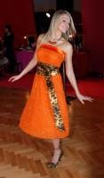 Oranžový outfit Dary