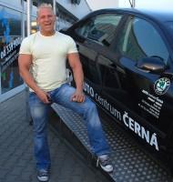 David Šín mezi vozy Škoda