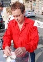 Také Jan Saudek přispěl na seniory troškou do mlýna