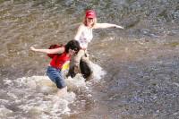 ... jiní v řece