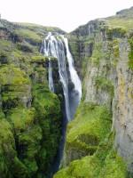 Glymur je výškou 200 metrů nejvyšším islandským vodopádem