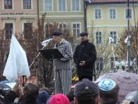 Oldřich Stránský po 62 letech znovu oblékl svůj vězeňský šat.
