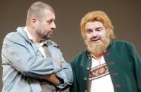 Zdeněk Junák a Erik Pardus v inscenaci V jámě lvové