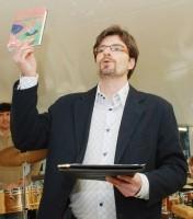 Moderátorem odpoledne slečny Toyen byl Michal Jančařík