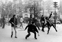 Fotografie Bruno Barbeye z května 1968 ve Francouzském institutu