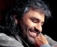 Andrea Bocelli zazpívá pod širým nebem