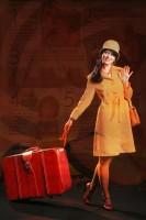 Adéla Gondíková s kufrem na kolečkách