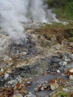 Pestrobarevné minerální říčky