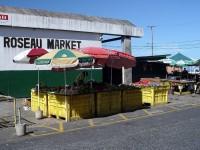Stará tržnice v Roseau poblíž přístavu