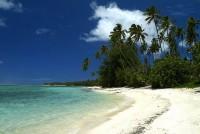 Bílé nádherné pláže ostrova Bora Bora