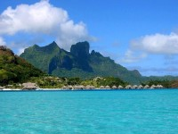 Dvě dominanty ostrova - Pahia a Otemanu