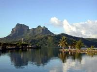 Bora Bora patří k Závětrným ostrovům