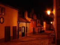Večer v malebné Zlaté uličce