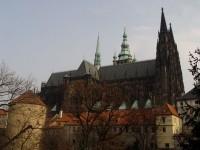 Chrám sv. Víta vpravo s věží Daliborkou