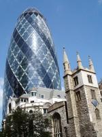 Kontrasty londýnské architektury aneb staré společně s novým