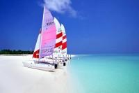 Pláž ostrova Sun Island na Maledivách