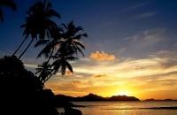Západ slunce na ostrově La Digue
