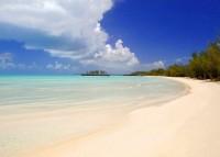 Pláž Eleuthera na Bahamách