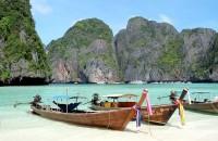 Známá pláž Maya v Thajsku