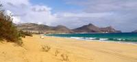Písečná pláž na ostrově Porto Santo