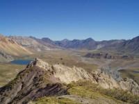 Rozeklané vrcholky argentinských And