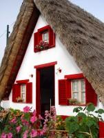 Typický madeirský domek v Santaně