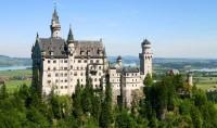 Zámek Neuschwanstein potkáte v Německu na cestě krále Ludvíka